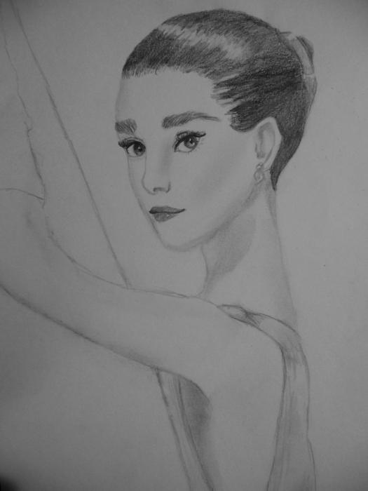 Audrey Hepburn by EvilDream